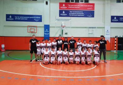 Basketbol U 11 takımı ve  U 12 takımı.